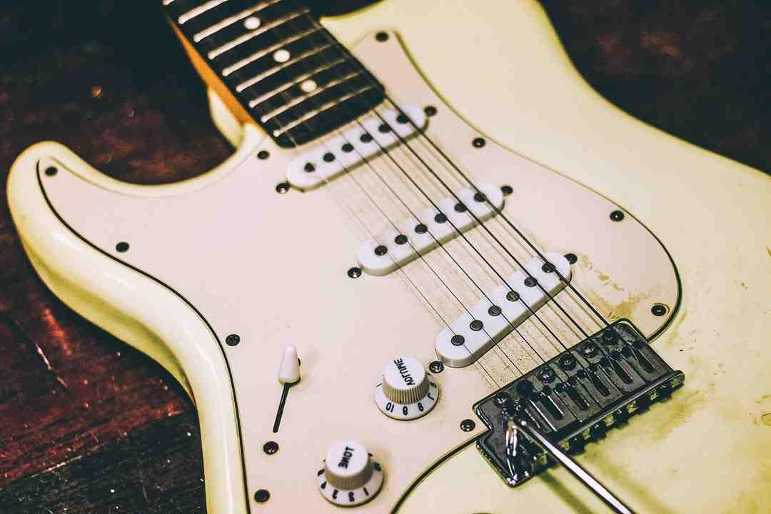 Comment connecter une guitare à une chaîne hi-fi?