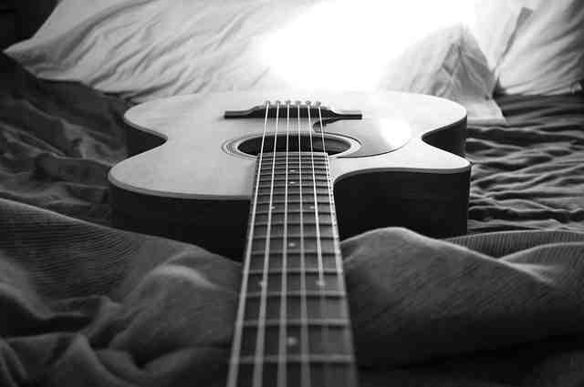 Comment trouver des notes sur le manche d'une guitare?