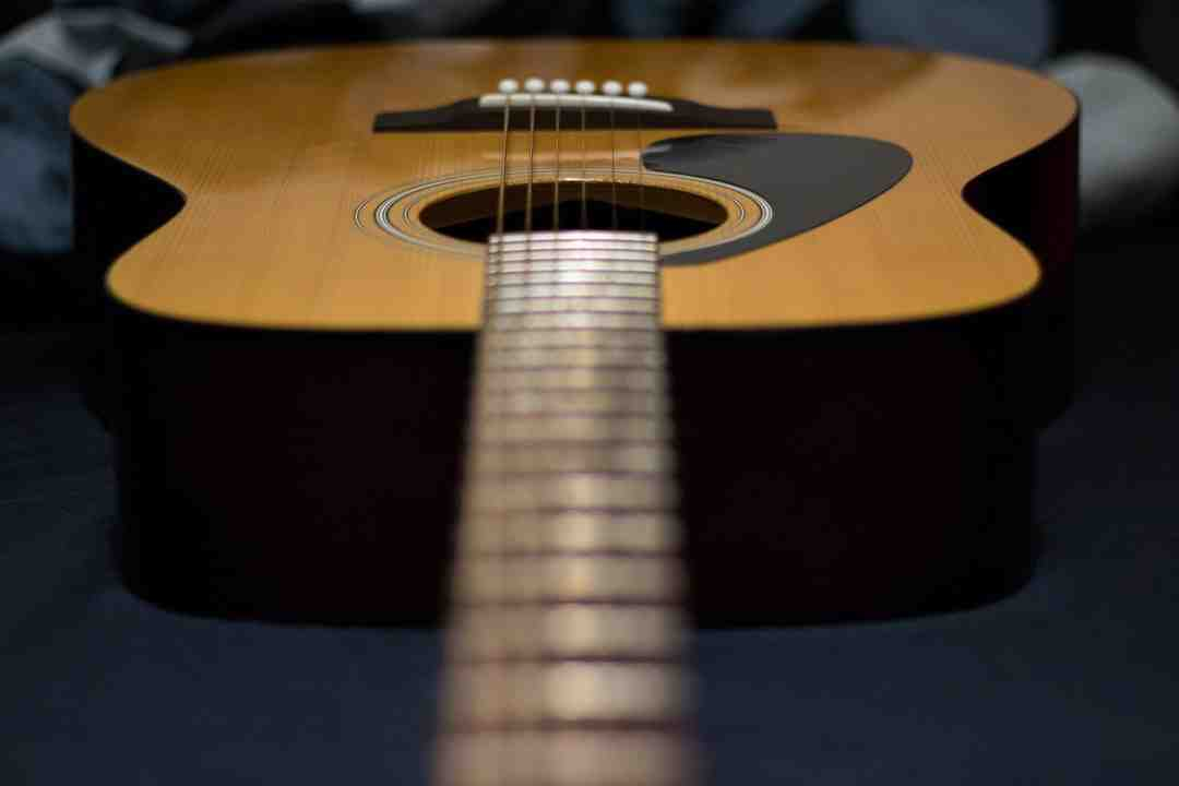Quelle chanson pour commencer avec la guitare?