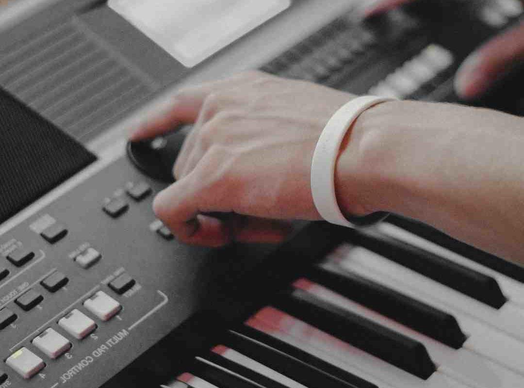 Comment nettoyer un piano laqué noir